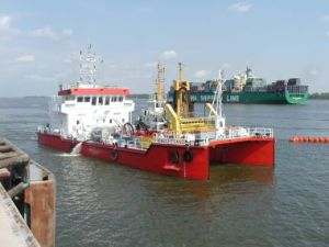 Oil pollution response vessel Knechtsand